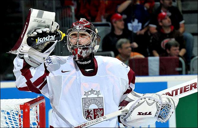 08.05.2010. ЧМ-2010. Швейцария - Латвия - 3:1. Фото 06.
