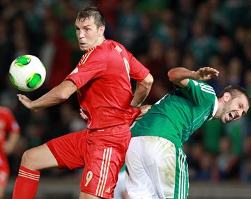 Северная Ирландия — Россия — 1:0. Артём Дзюба и Гарет Макаули