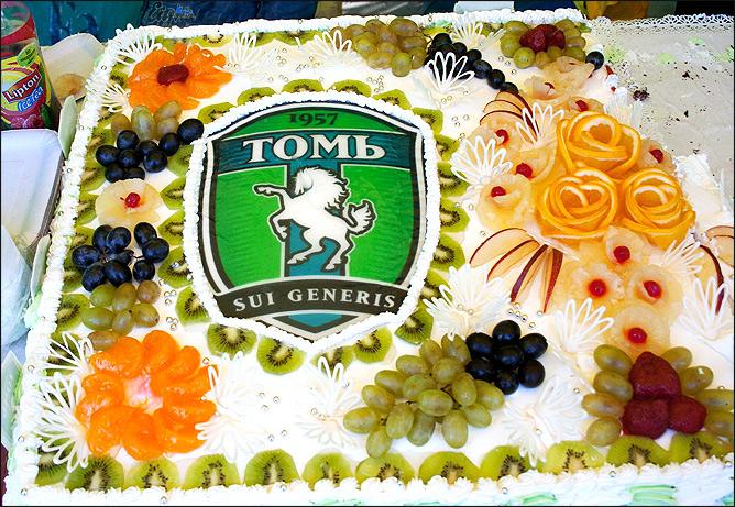 Праздничный торт в Томске
