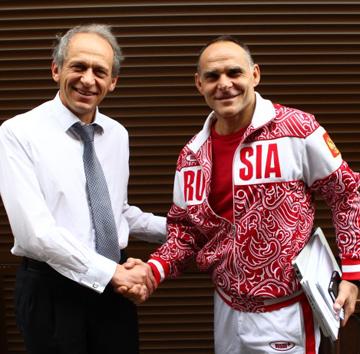 Лев Белоусов (слева)