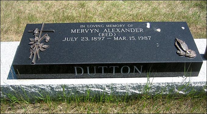 Могила Мервина Даттона на Объединенном кладбище Калгари