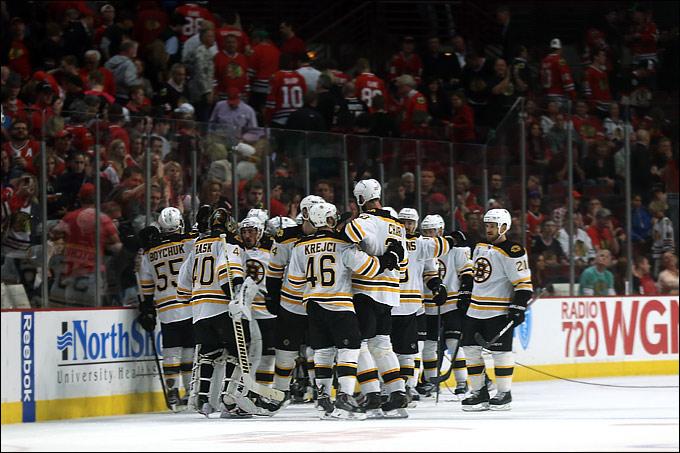 """16 июня 2013 года. Чикаго. Плей-офф НХЛ. Финал. Матч № 2. """"Чикаго"""" — """"Бостон"""" — 1:2 (ОТ). """"Бостон"""" сравнивает счёт в серии с """"Чикаго"""""""
