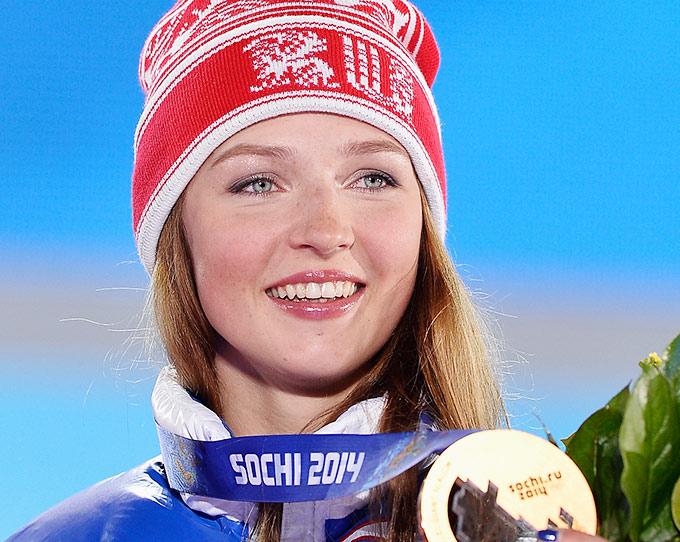 Алёна Заварзина с бронзовой медалью Олимпийских игр в Сочи