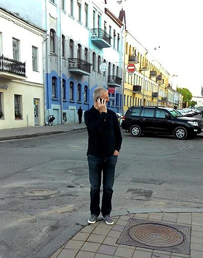 Кари Ялонен на улицах Минска
