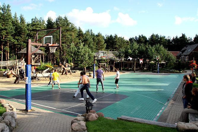 Баскетбольная площадка в Жибининкае