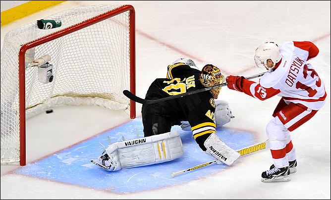 """25 ноября. Бостон. Регулярный чемпионат НХЛ. """"Бостон Брюинз"""" — """"Детройт Ред Уингз"""" — 2:3. Гол Павла Дацюка"""