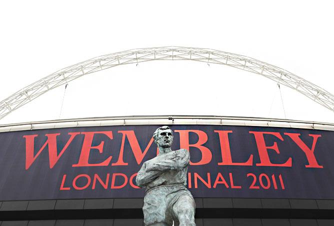 """Лондон. Стадион """"Уэмбли. Вид на главный вход"""