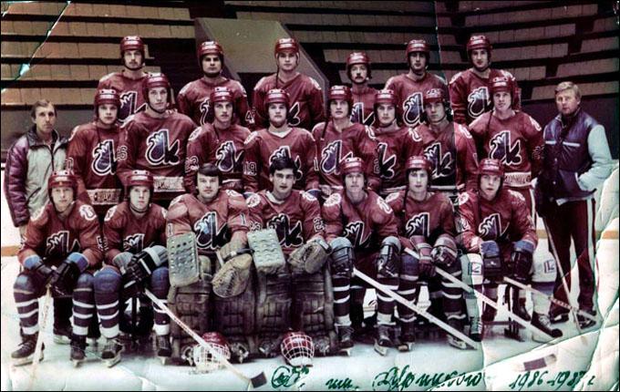 Геннадий Цыгуров (справа) и ХК им. Урицкого, 1987 год