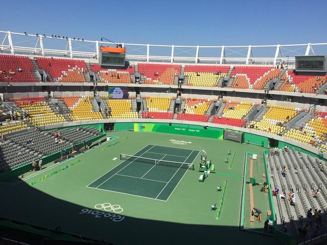 Главный корт теннисного центра перед женским парным финалом