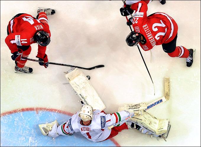 Виталий Коваль против сборной Канады