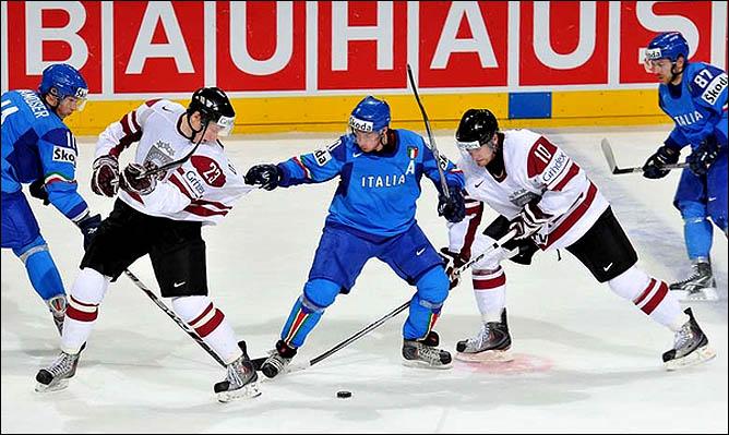 12.05.2010. ЧМ-2010. Италия - Латвия - 2:5. Фото 01.