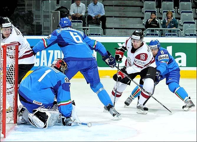 12.05.2010. ЧМ-2010. Италия - Латвия - 2:5. Фото 03.