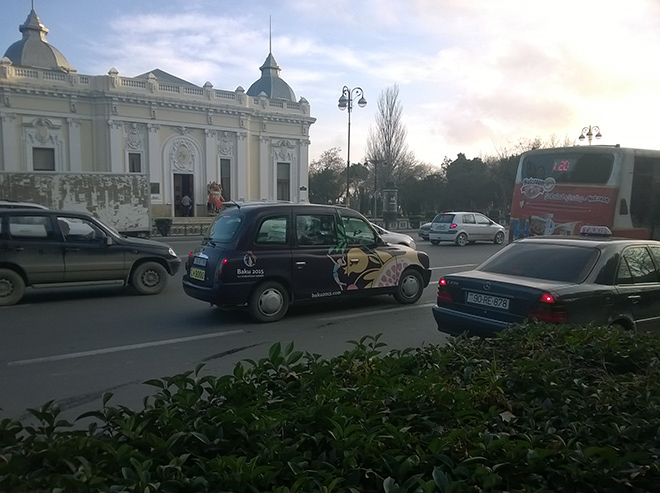 Кэбы, привезённые из Великобритании, стали новой «фишкой» Баку