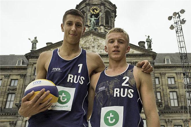 Олег Стояновский и Артём Ярзуткин
