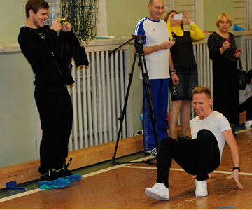 Балаж Джуджак, Владимир Габулов и Кевин Кураньи приняли участие в эстафете, выступив за разные команды