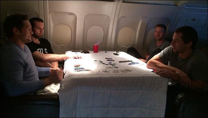 Конопко: Покер – лучшее занятие во время трехчасового перелета в солнечную Калифорнию