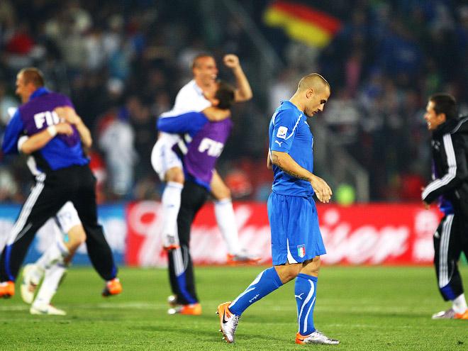 Сборная Италии не вышла из группы на чемпионате мира-2010