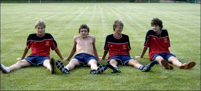 На сборах кадетской (до 16 лет) сборной. Слева направо: Максим Шалунов, Александр Хохлачев, Андрей Макаров, Николай Прохоркин.