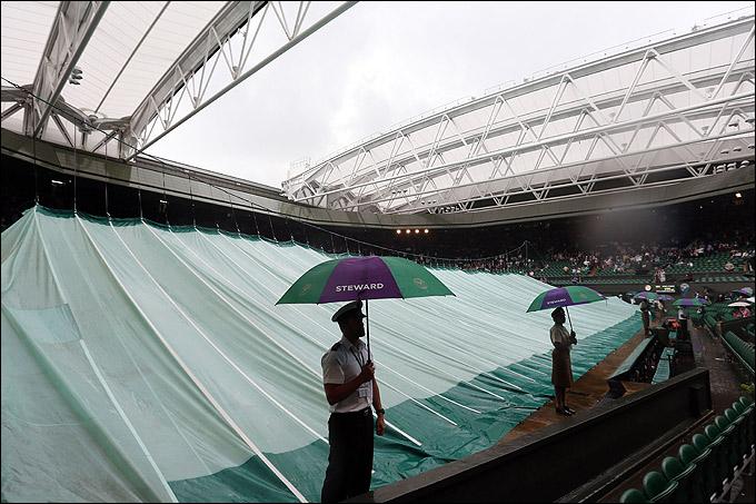 "Знаменитая ""палатка"" Уимблдона спасала корт от дождя"