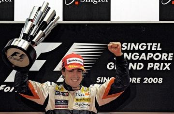 Фернандо Алонсо — победитель Гран-при Сингапура-2008
