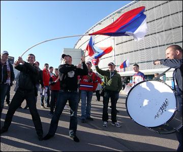 7 мая 2013 года. Хельсинки. Чемпионат мира по хоккею. Групповой этап. Россия – США – 5:3. Российские болельщики в Хельсинки