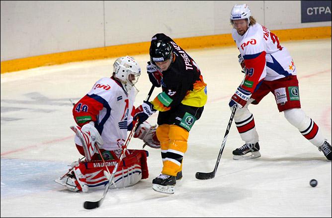 26.09.2010. КХЛ. Северсталь - Локомотив - 2:3. Фото 01.