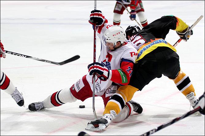26.09.2010. КХЛ. Северсталь - Локомотив - 2:3. Фото 03.