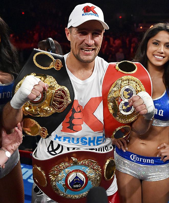 Сергей Ковалёв объединил три чемпионских титула в полутяжёлом весе (WBO/IBF/WBA)