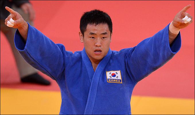 Олимпийский чемпион Не-Бум Сонг
