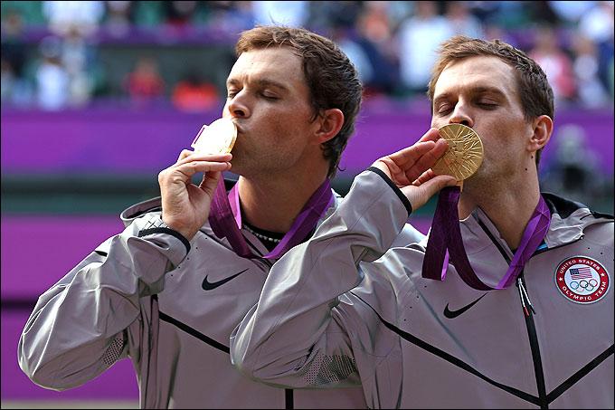 Боб и Майк Брайаны впервые стали олимпийскими чемпионами