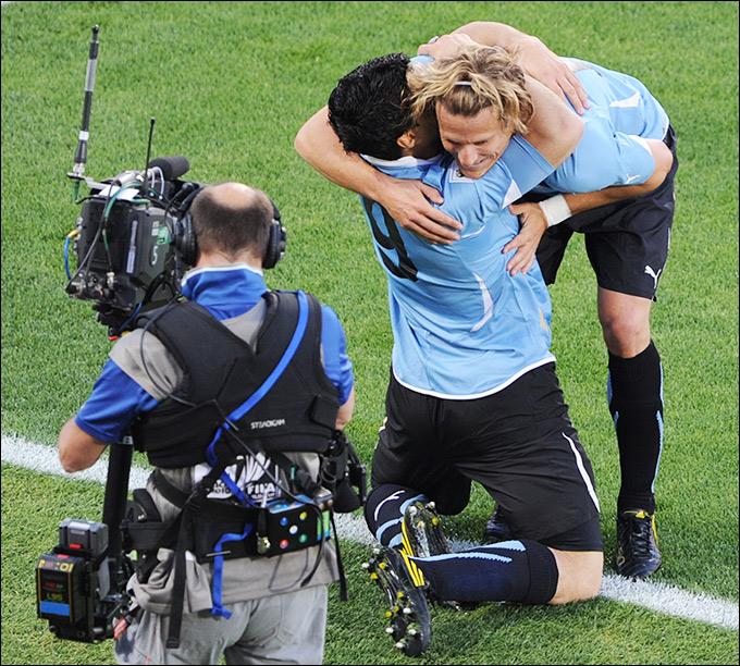 Луис Суарес и Диего Форлан — главные герои сборной Уругвая на чемпионате мира-2010