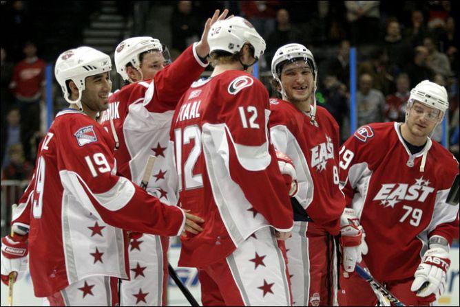 А когда-то наших было много. Матч всех Звезд НХЛ-2008. Тут и Ковальчук, и Овечкин, и Маркин.