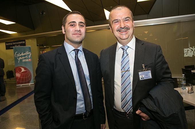 Мефаил Дерибаш (справа)