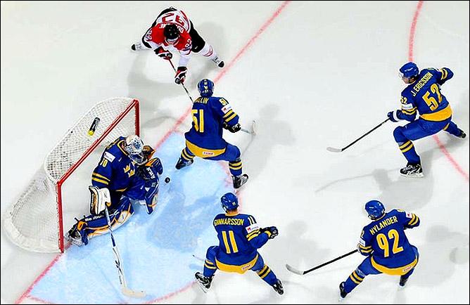 16.05.2010. ЧМ-2010. Швеция - Канада - 3:1. Фото 01.