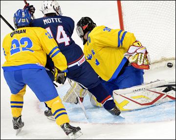 Команда США без особого труда разделалась со шведами