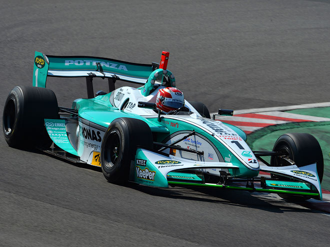 Андре Лоттерер за рулём болида «Формулы Ниппон»