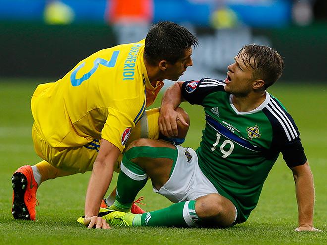 Украина — Северная Ирландия — 0:2. Евгений Хачериди