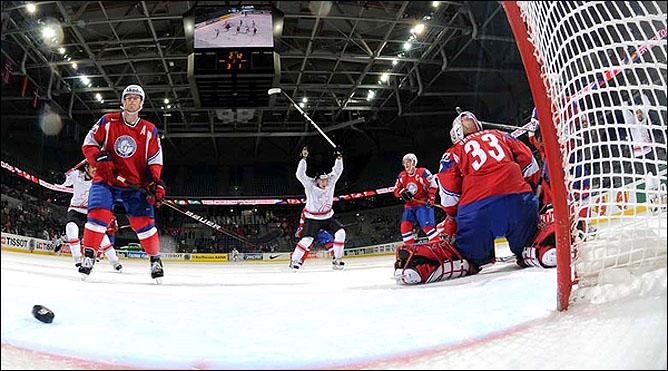 17.05.2010. ЧМ-2010. Норвегия - Швейцария - 3:2. Фото 03.