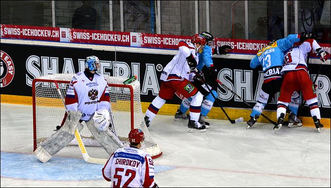 6 апреля 2013 года. Винтертур. Еврочеллендж. Швейцария — Россия — 4:3. Борьба у ворот российской сборной