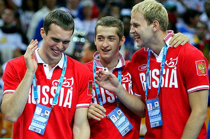 Сергей Быков, Дмитрий Хвостов и Антон Понкрашов на подиуме