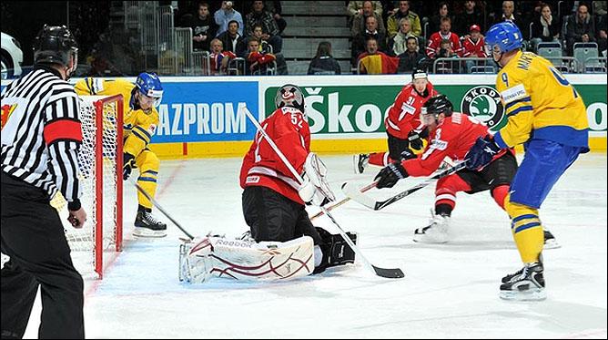 18.05.2010. ЧМ-2010. Швейцария - Швеция - 0:5. Фото 01.