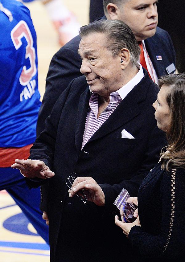 """Скандал, разразившийся вокруг Дональда Стерлинга, грозит лишить владельца """"Клипперс"""" клуба"""