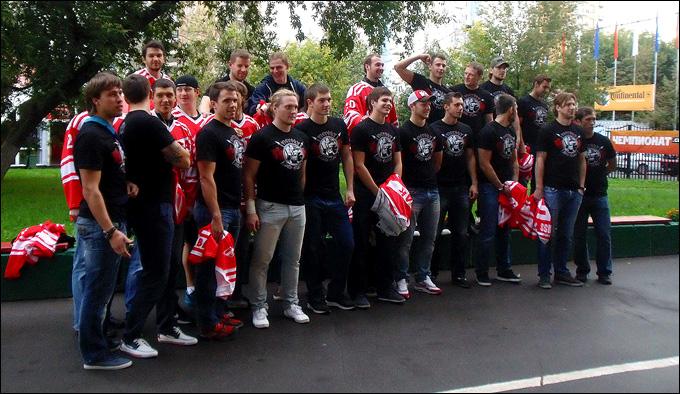 Общее фото команды на память