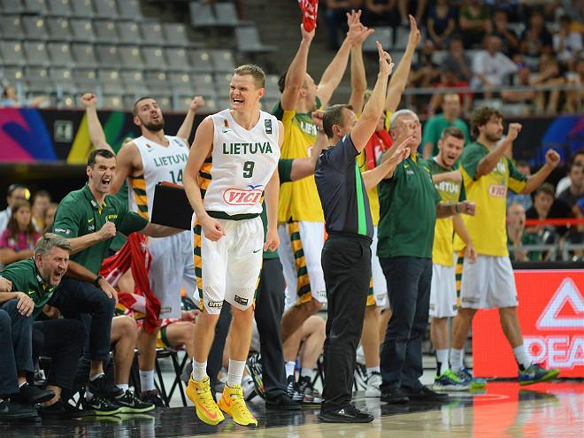 Радость скамейки запасных сборной Литвы
