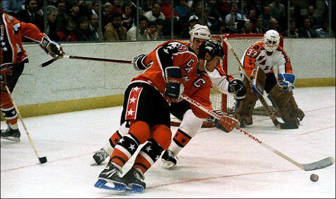 Фрагменты сезона. 4 февраля 1986 года. Хартфорд. Матч всех звезд. Уэйн Гретцки против Марка Хоу.