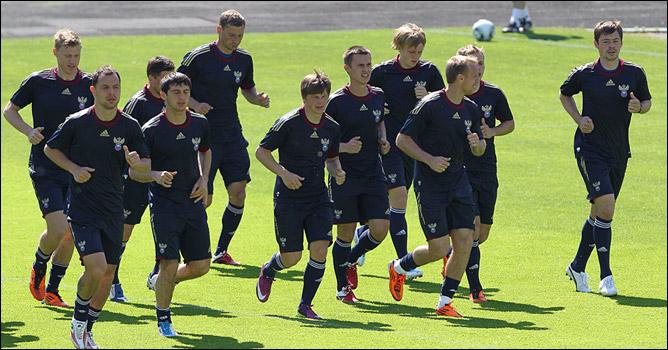 Сборная России готовится к отборочному поединку с Арменией