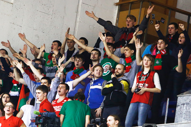 Болельщики «Локомотива» на матче в Москве