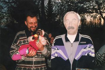 Популярность Валерия Газзаева во Владикавказе второй половины 90-х была столь гигантской, что по всему городу стояли его картонные изображения