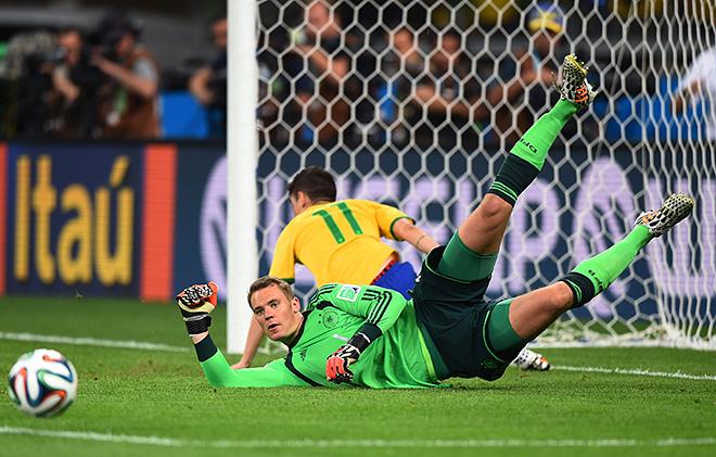ЧМ-2014. 1/2 финала. Бразилия – Германия – 1:7. У вратаря победителей тоже была работа
