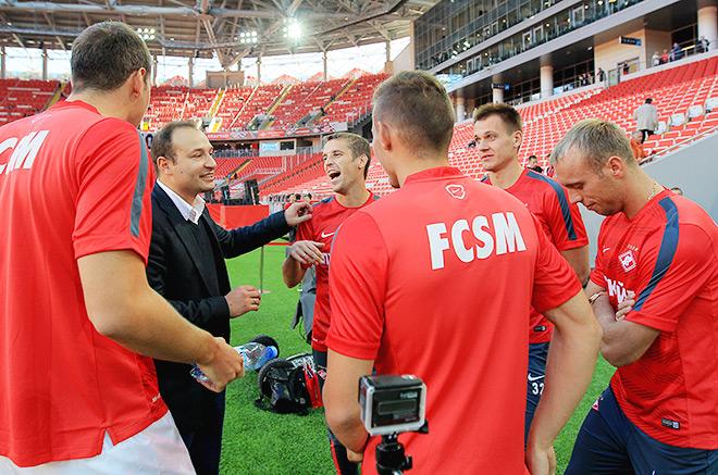 Константин Генич с игроками «Спартака»
